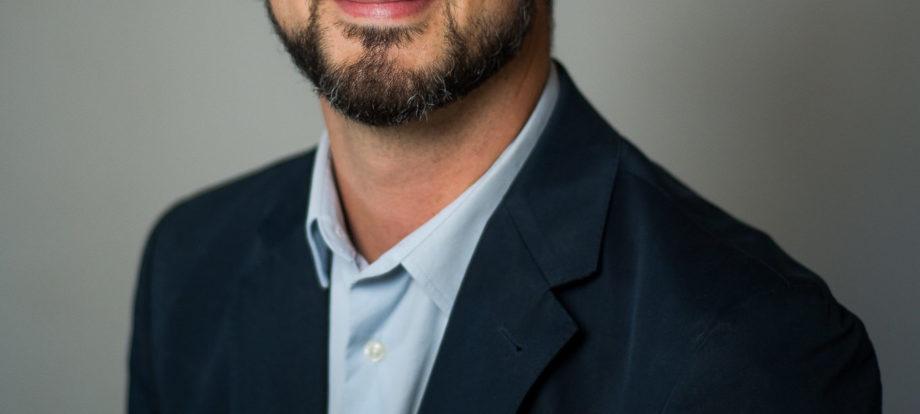 Dr Corne de Jager